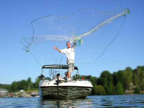 Perfect Cast Net Throw!